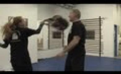 Selbstverteidigung für Frauen. Video auf Karate-Jugenheim.net